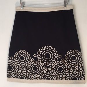 Boden black kneelength embroidered skirt size 8